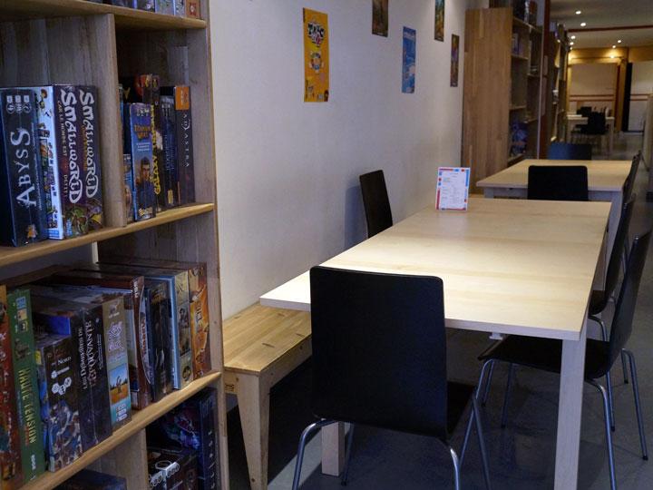 Une activité mi boutique, mi bar à jeux